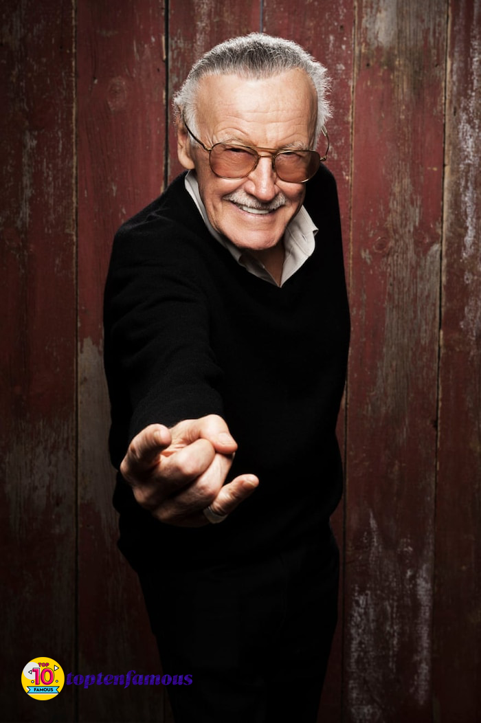Stan Lee - Marvel Legend: Living and Dedicate His Youth to the World of Superheroes