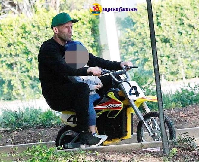 Simple Life of Transporter Jason Statham with His Son During Quarantine